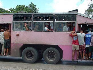 guagua en Cuba año 2000