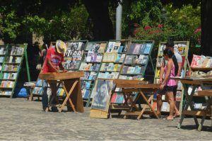 venta-de-libros-plaza-de-armas, librerías cubanas