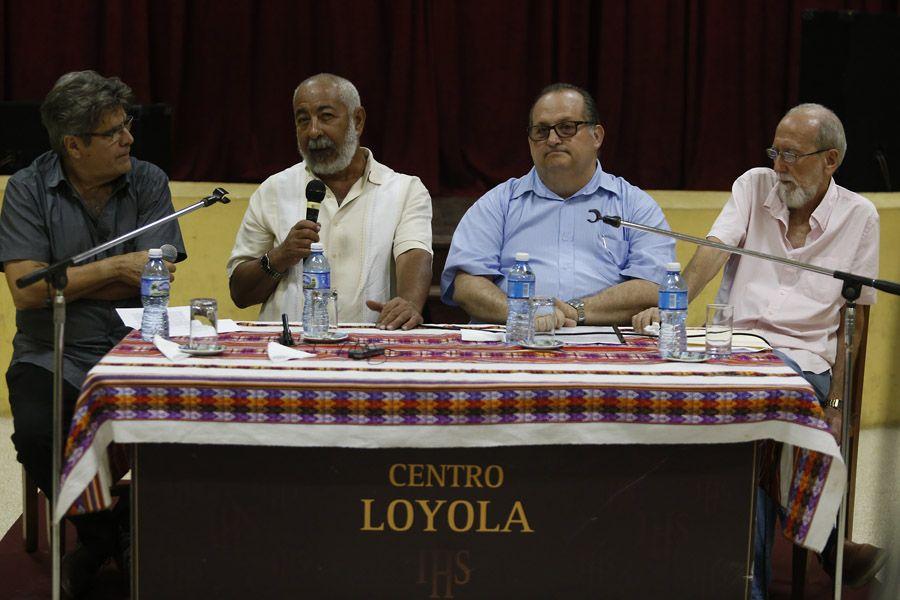 Padura presenta su última novela en el Centro Loyola