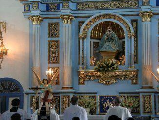 El arzobispo pide la intersección de la Virgen por nuestro país