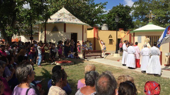 Bendicen nueva capilla a San Lázaro en los jardines del Santuario Nacional