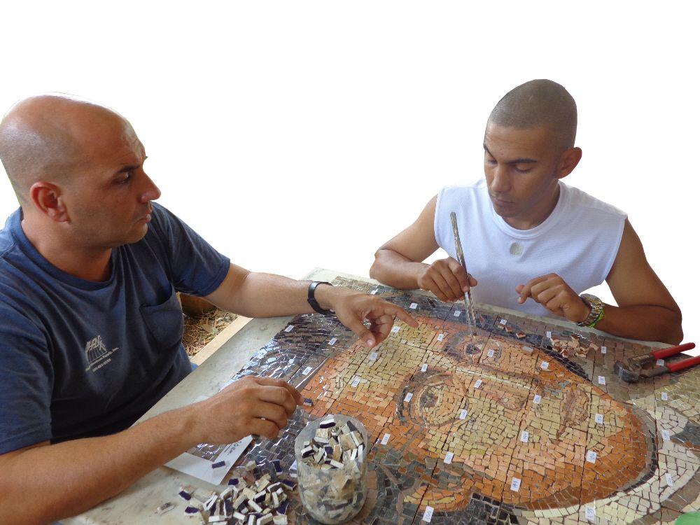 Pasión por el arte del mosaico
