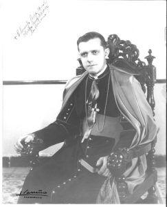 Monseñor Eduardo Boza Masvidal en la época en que fue obispo auxiliar de La Habana.