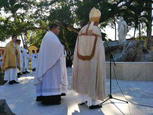 El Nuncio Apostolico de Su Santidad en Cuba, Monseñor Giorgio Lingua, bendijo la Fuente