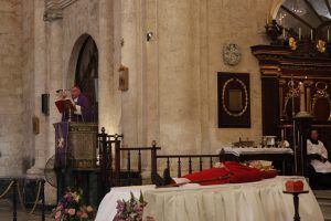 En su homilía ante la congregación de fieles que colmaba el templo capitalino