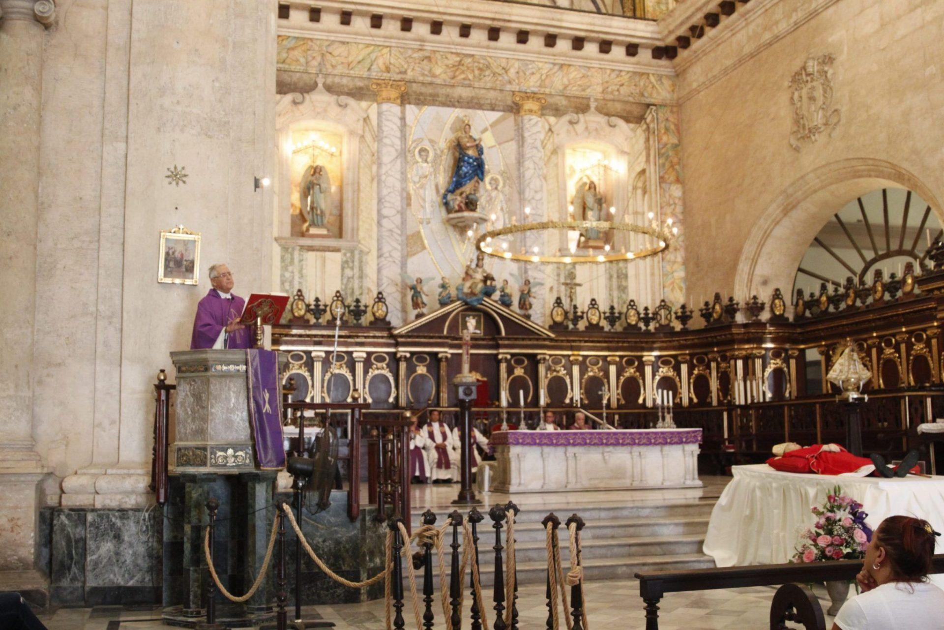 El querido sacerdote dominico Manuel Uña, quien durante quince años fue el confesor del cardenal Jaime Ortega