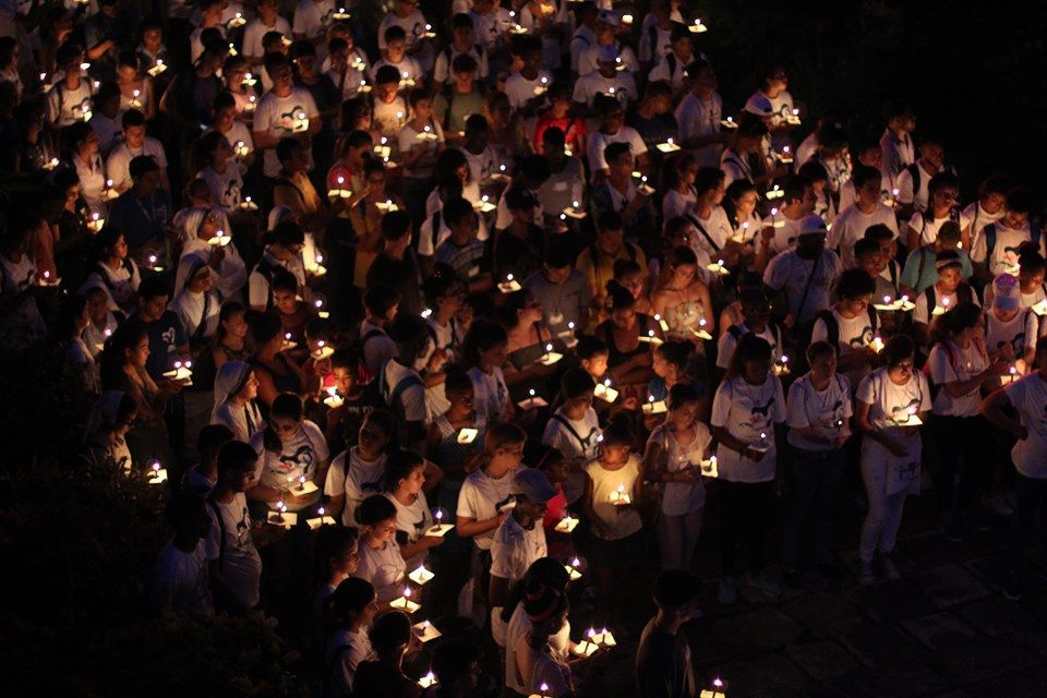 La noche del segundo día de la versión habanera de la Jornada Nacional de la Juventud (JNJ) culminó con el rezo del viacrucis.