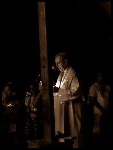 Monseñor Juan de la Caridad García, arzobispo de La Habana, en el viacrucis