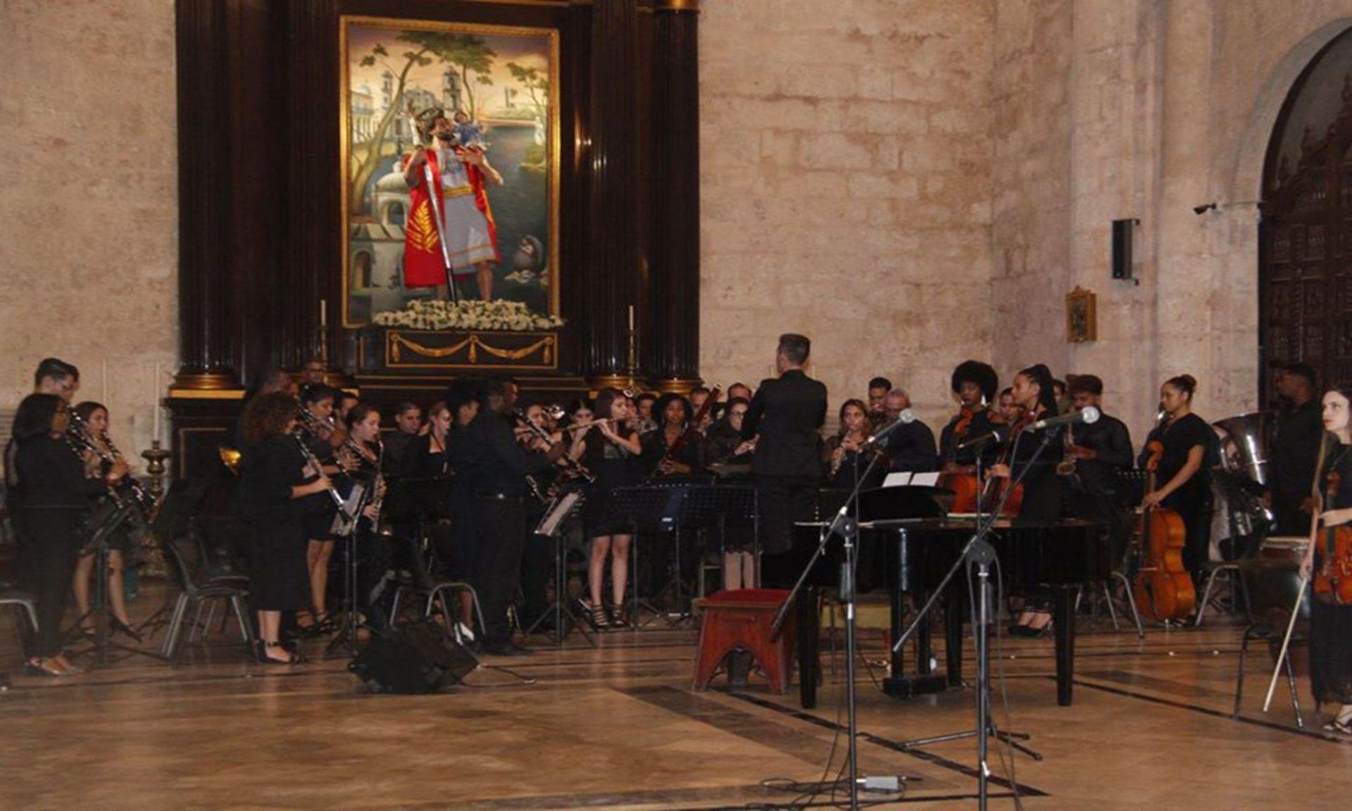 Gala cultural organizada por la Cátedra de Música Sacra del Centro Cultural Padre Félix Varela y presentada en la S.M.I. Catedral de La Habana en la noche del 17 de noviembre.