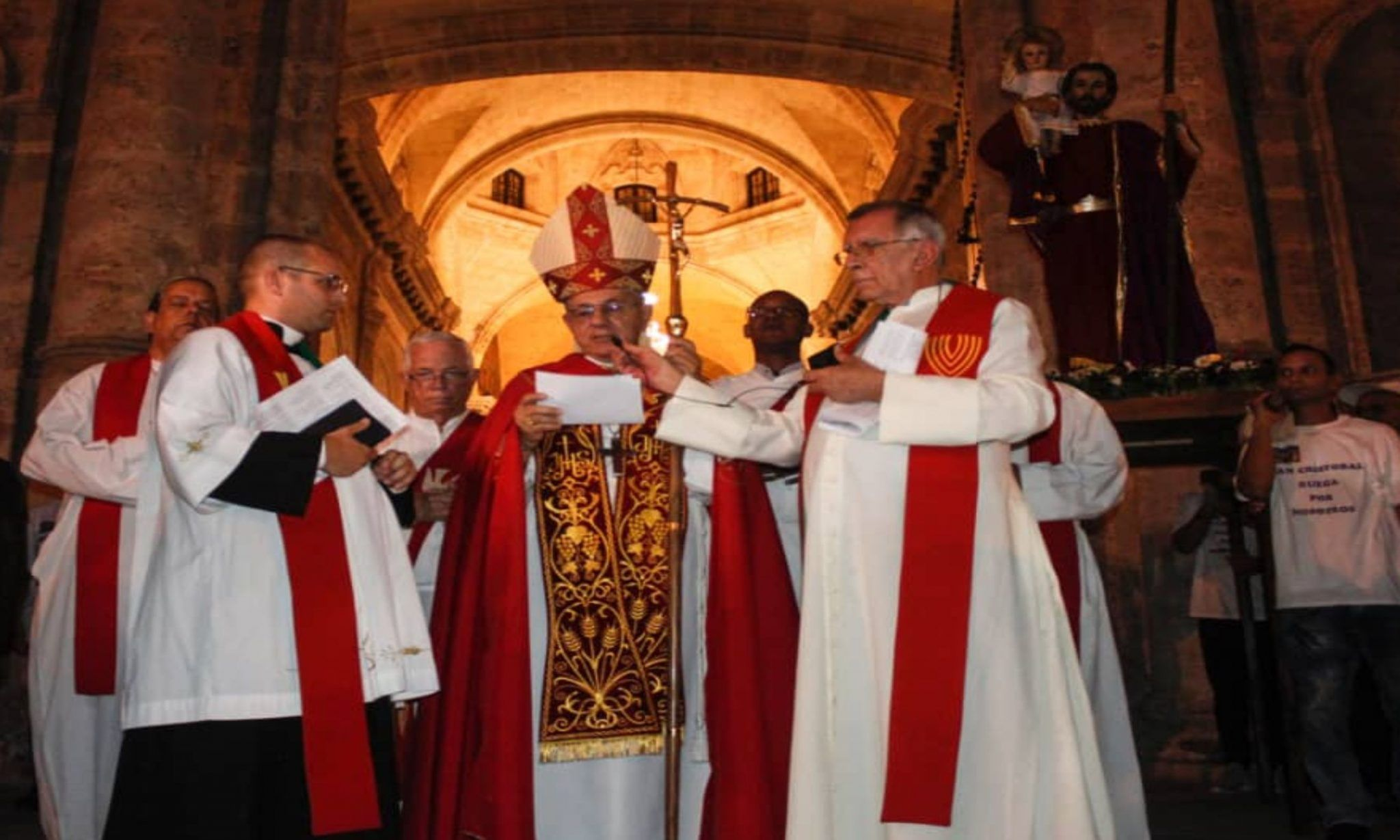 Procesión, presidida por el cardenal Juan de la Caridad García, arzobispo de La Habana.