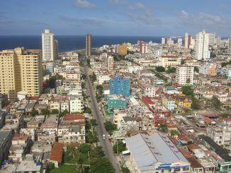 Línea,_La_Habana,_Cuba