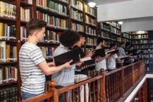 Estudiantes del Instituto de Música Sacra y Pedagogía Musical, de Ratisbona, Alemania