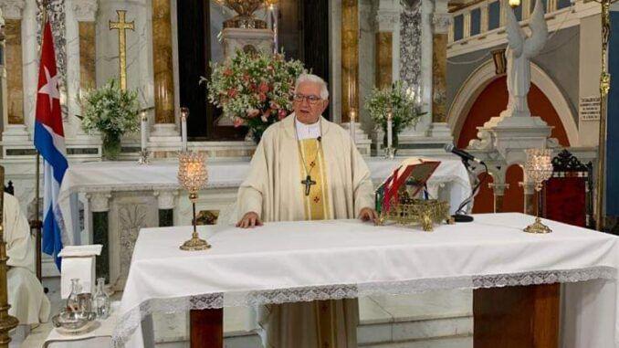 Imagen de misa televisada desde el Santuario Nacional de Ntra. Señora de la Caridad del Cobre.