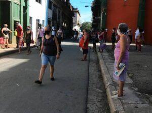 Las calles de municipios como Centro Habana, no han estado vacías en ningún momento.