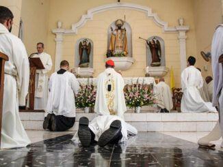 Junior Antonio Delgado Martínez fue ordenado diácono en la parroquia de San Nicolás de Bari