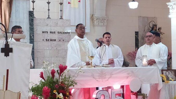 El padre Rubén Darío Cotes, SDB, celebró sus Bodas de Plata