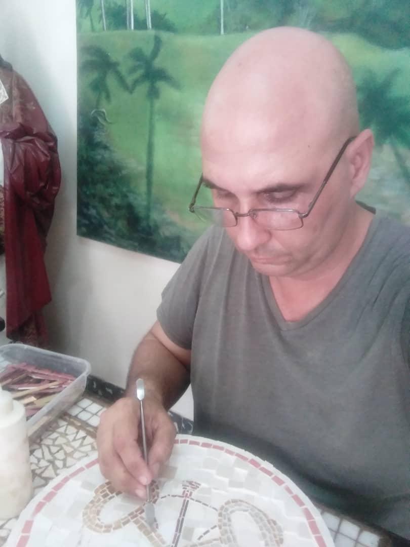 Rael: un artista con una valiosa obra al servicio de la Iglesia católica.